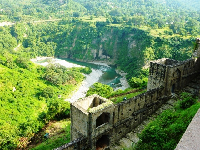 View_from_top_of_Kangra_Fort_overlooking_river