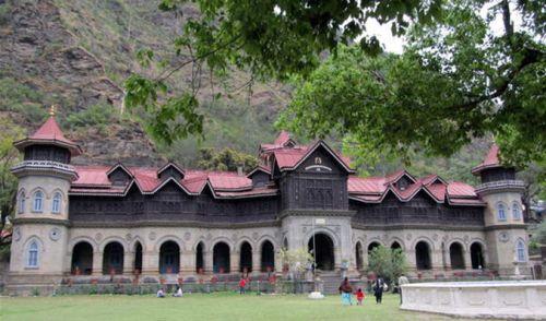 Padam-Palace-Rampur