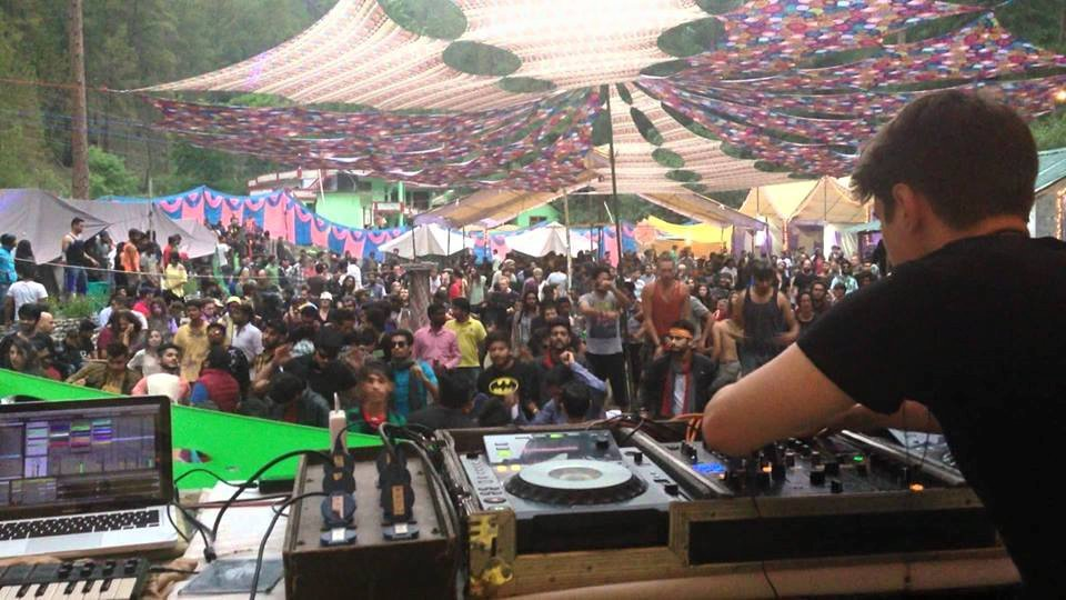Rave-party-in-kasol