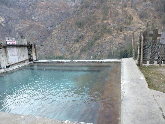the-hot-spring-kheerganga
